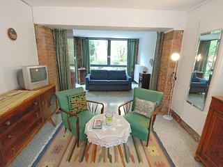 2 bedroom Apartment in Sestière di Dorsoduro, Veneto, Italy : ref 5516244