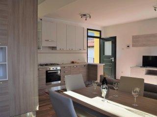 4 bedroom Villa in Porto Valtravaglia, Lombardy, Italy : ref 5569773