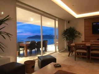 4BR Beautiful Apartment in Acapulco Diamante