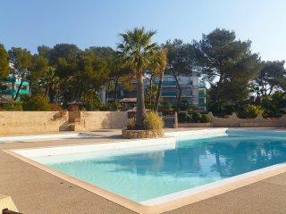 3 bedroom Apartment in Boulouris-sur-Mer, Provence-Alpes-Côte d'Azur, France : r