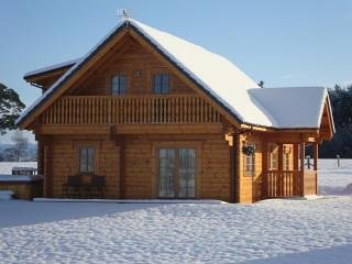 Snowy conditions at Mountwood Lodges.