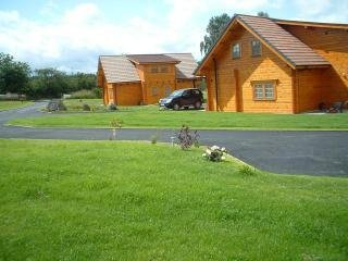 Mount and Roebuck Lodges with hot-tubs.