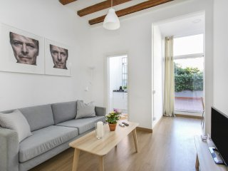 Bright, Central and Comfy apartment in BCN (1-2)