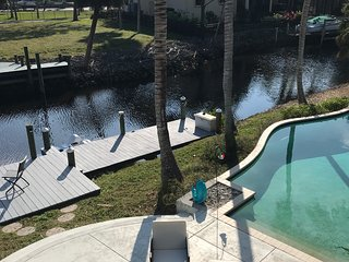 Waterfront Guest Suite With Pool & Paddleboat