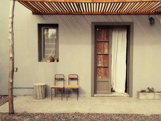 El Poblado. Casa de Huespedes. Guest House