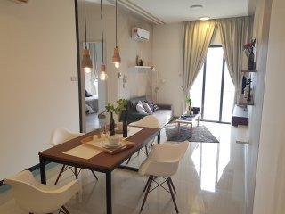 2R2B Lifestyle Condo | WIFI | Bangsar South |
