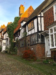The cobbled streets of medieval Rye are just 3 miles away from Marsh View Cottage, Camber Sands