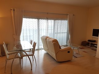 Bright & Central 1 Bedroom Apartment A/C & Wifi
