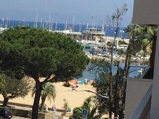 Appartement au coeur de Sainte-Maxime a 50 m de la plage