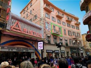 A Sanremo, un' oasi adiacente al teatro Ariston