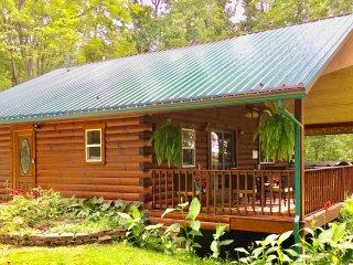 Forest Edge Hocking Hills Cabin