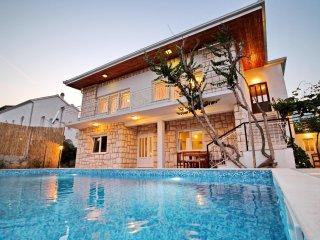 6 bedroom Villa in Orebić, Dubrovačko-Neretvanska Županija, Croatia : ref 554767