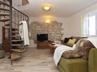 5 bedroom Villa in Modrusani, Istria, Croatia : ref 5520492