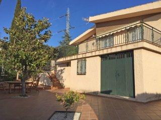 4 bedroom Villa in Barrio de la Vega, Andalusia, Spain : ref 5518586