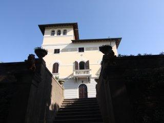 appartamento in Villa ultimo piano con torre panoramica sul golfo di Baratti