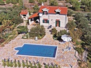 3 bedroom Villa in Lozovac, Sibensko-Kninska Zupanija, Croatia : ref 5520000