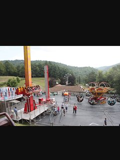 Amusement rides at Tweetsies