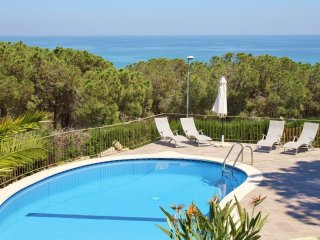 Villa with free wifi and sea views at walking distance to Arenys de Mar beach, B