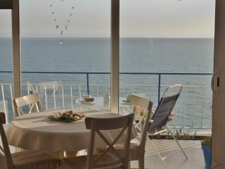 CM111 -  Apartment with fantastic sea views in front of a long nice sand beach -