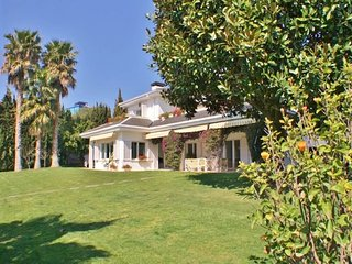 CM435 - A truly exceptional residence only 500 meters from the beach