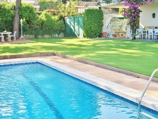 CM351 - Cosy villa nearby the sea, mountains and lovely Barcelona