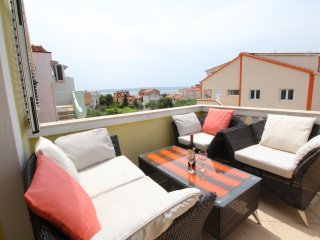 Apartments Gotovac - One Bedroom Apartment with Terrace and Sea View A1
