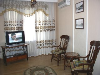 1145 - Studio. 20 Lesi Ukrainky blvd. Centre of Kiev, holiday rental in Kyiv (Kiev)