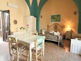 Holiday home Mono Borgo in the medieval village of Matino in a 18th century bui