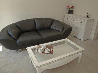 2 bedroom Apartment in Saint-Remy-de-Provence, Provence-Alpes-Cote d'Azur, Franc