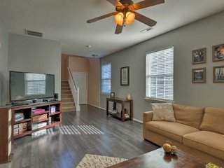 NEW! 2BR Johns Island Townhome Mins to Charleston!