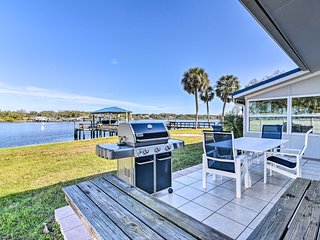 Waterfront Gibsonton House w/Grill & Private Dock!