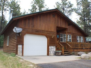 Fiesta Cabin offers a relaxing vacation in this charming home located in Pagosa