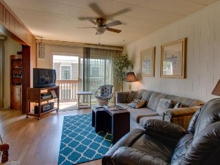 Cute retreat w/ community pool, near area attractions & beach!