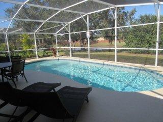 100SWC. Amazing 3 Bedroom 2 Bath Pool Home Near Disney