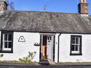 ROSEWALL COTTAGE, all ground floor, pet-friendly,  in New Abbey, Ref 973122