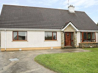 43 ROSEBANK COURT, en-suite bedroom, pet-friendly, views of Ballyliffin Golf Cou