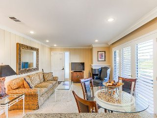 Beautifully Updated Silverado 1BR w/ Patio, Pool & Resort Amenities