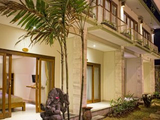 Ubud, Private Room, Breakfast, Wifi, AC, Walk to Yoga Centre