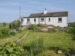 MILLWALK COTTAGE, countryside views, dog-friendly, Isle of Whithorn 4 miles