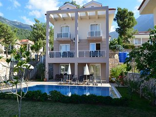 Minder - Villa Buketi, 5 bedroom Villa mazingly perfect for big groups