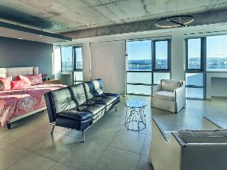 1bed/1 bath Studio Apartment - Amazing Views!