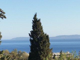 Studio dans une villa situé sud avec vue mer + une petite terrasse ombragée