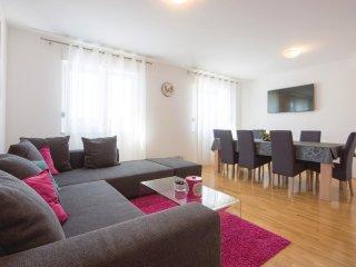 4 bedroom Villa in Koprivno, Splitsko-Dalmatinska Županija, Croatia : ref 55624