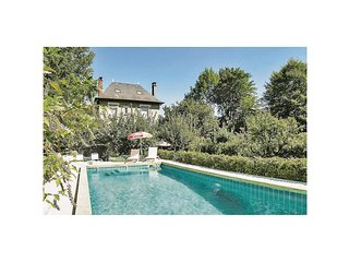 5 bedroom Villa in Terrasson-Lavilledieu, Nouvelle-Aquitaine, France : ref 55218