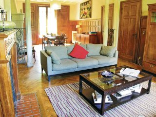 5 bedroom Villa in Terrasson-Lavilledieu, Nouvelle-Aquitaine, France : ref 55218