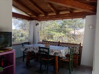 Lovely house with private garden-a few minutes walk to the beach