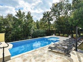3 bedroom Villa in Vukmani, Splitsko-Dalmatinska Zupanija, Croatia : ref 5571458