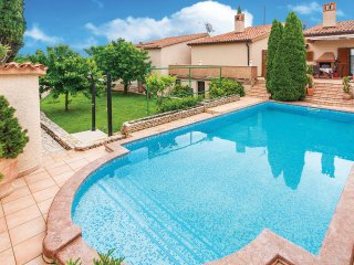 4 bedroom Villa in Pula, Istria, Croatia : ref 5520684