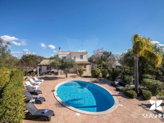 Casa Buganvília - Quiet 3 Bedroom villa with private pool in Loulé countryside