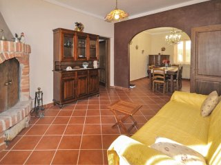 6 bedroom Villa in I Lopi, Umbria, Italy : ref 5523755